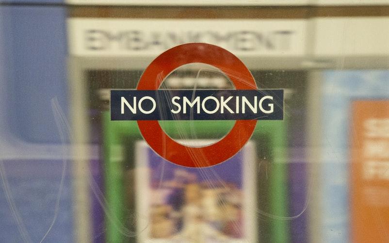 CONCIENCIAR A LOS NIÑOS SOBRE LAS CONSECUENCIAS DE FUMAR PARA LOS DIENTES