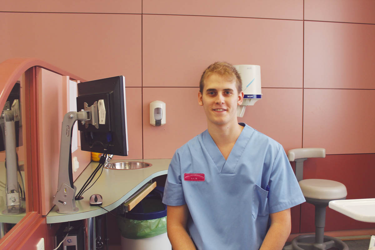 «Los estudiantes tenemos un poder del que no somos conscientes: en nuestras manos está el futuro de la Odontología»